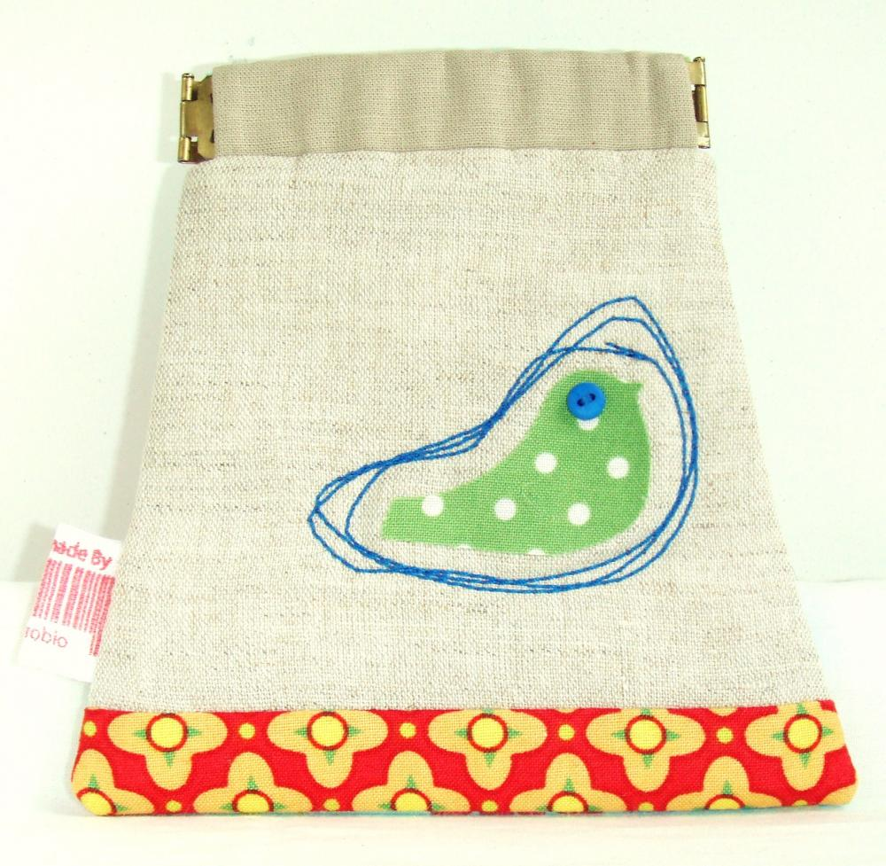 Green bird pouch in natural colour - flexible opening